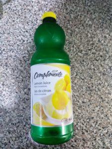 レモン果樹ボトルの写真